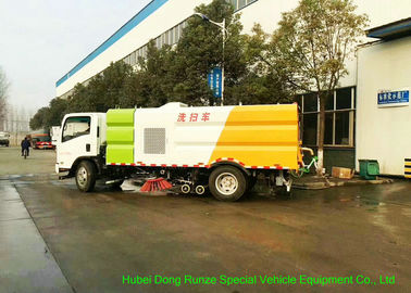 China ISUZU EFL 700 Street Washing And Sweeper Truck With Brushes High Pressure Water factory