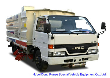 China JMC Truck Mounted Road Sweeping Machine With 4 Brushes 5.5 Cbm Trash 1,5 Cbm Water distributor