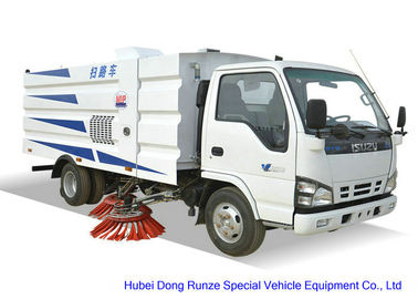 China ISUZU 600 Road Sweeper Truck For Washing Sweeping , Street Sweeper Vehicle factory